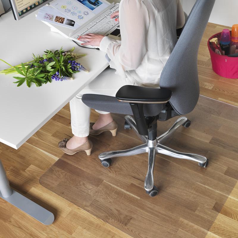 Matting Office Wellness - Golvskydd som skyddar underlaget och låter kontorsstolen rulla lätt.